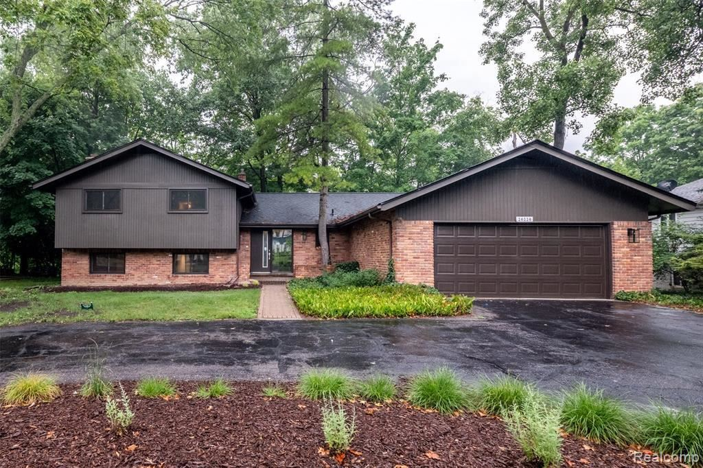 Photo for 20220 RONSDALE DR, Beverly Hills, MI 48025-3860 (MLS # 40079743)