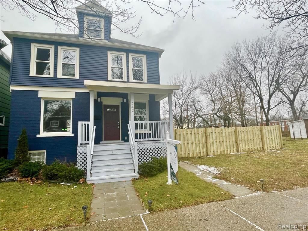 Photo for 242 ENGLEWOOD ST, Detroit, MI 48202-1107 (MLS # 40134746)