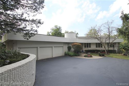 Photo of 4088 LAKERIDGE LANE, Bloomfield Hills, MI 48302-1622 (MLS # 40236749)