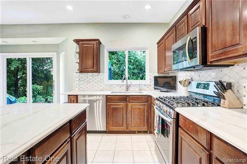 Tiny photo for 165 CHARRINGTON CRT, Beverly Hills, MI 48025-5604 (MLS # 40199755)