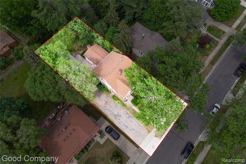 Tiny photo for 201 E FARNUM AVE, Royal Oak, MI 48067-4106 (MLS # 40183758)
