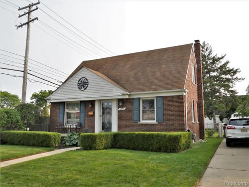 Photo of 1899 VAN ANTWERP ST, Grosse Pointe Woods, MI 48236-1620 (MLS # 40103761)