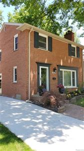 Photo of 1450 ROSLYN RD, Grosse Pointe Woods, MI 48236-1019 (MLS # 21621767)