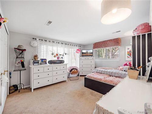 Tiny photo for 32110 LAHSER RD, Beverly Hills, MI 48025-2612 (MLS # 40163772)