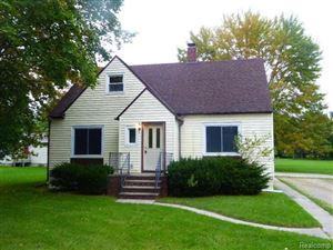 Photo of 862 E MAIN ST, Sebewaing, MI 48759-1622 (MLS # 30774776)