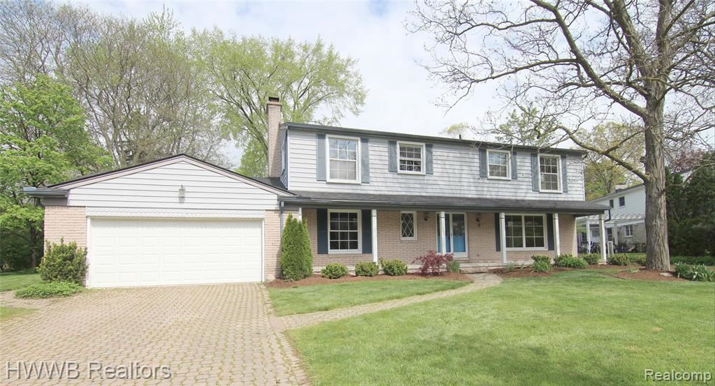 Photo for 31305 DOWNING PL, Beverly Hills, MI 48025-5238 (MLS # 40170780)