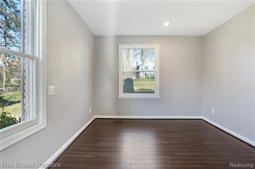 Tiny photo for 910 ROCK SPRING RD, Bloomfield Hills, MI 48304-3142 (MLS # 40122784)
