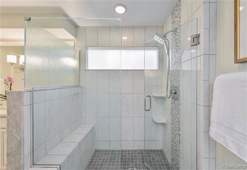 Tiny photo for 20090 VILLAGE DR, Beverly Hills, MI 48025-2852 (MLS # 40240784)