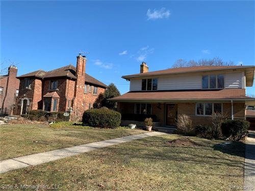 Photo of 1324 WHITTIER RD, Grosse Pointe Park, MI 48230-1114 (MLS # 40008786)