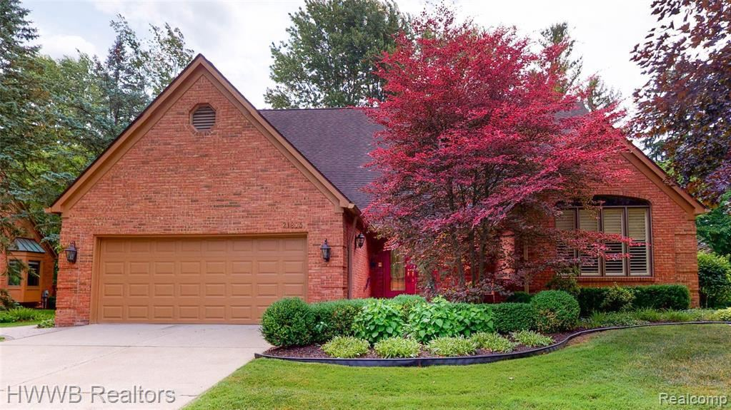 Photo for 21875 DOVER CRT, Beverly Hills, MI 48025-2609 (MLS # 40101789)