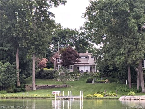 Tiny photo for 1940 S HAMMOND LAKE DR, Bloomfield Township, MI 48302-0710 (MLS # 40079792)