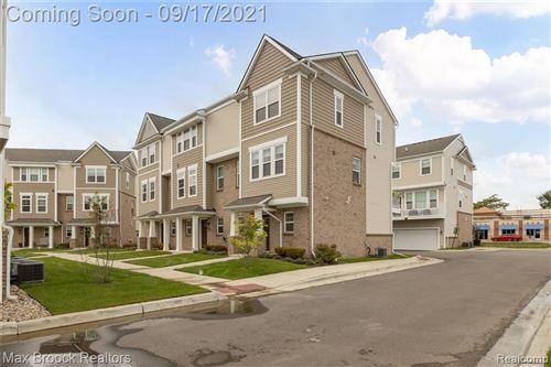 Photo of 2500 NORMANDY RD, Royal Oak, MI 48073-1883 (MLS # 40234793)