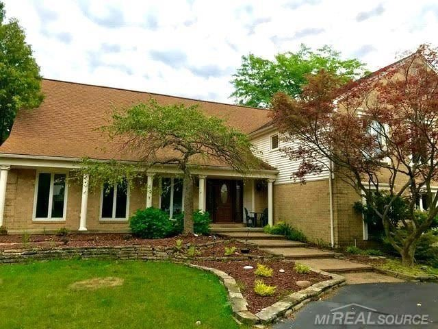 Photo of 1257 Hickory Hill, Rochester Hills, MI 48309 (MLS # 50002799)