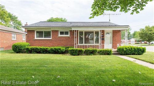 Photo of 1623 ENGLEWOOD AVE, Royal Oak, MI 48073-2882 (MLS # 40184802)