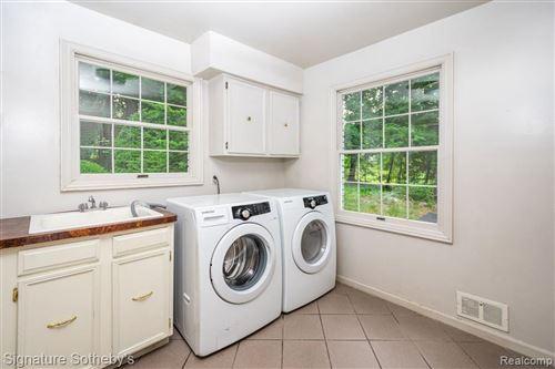Tiny photo for 469 GOODHUE RD, Bloomfield Hills, MI 48304-3424 (MLS # 40146803)