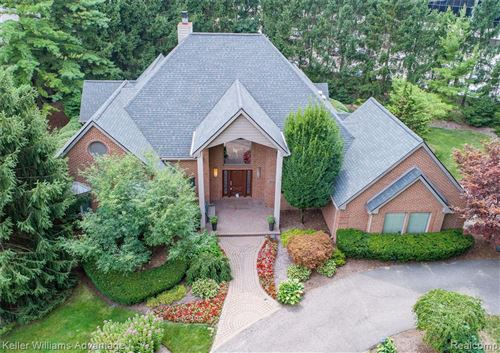 Photo of 4063 COUNTRY CLUB DR, Bloomfield Hills, MI 48301-3122 (MLS # 40133806)