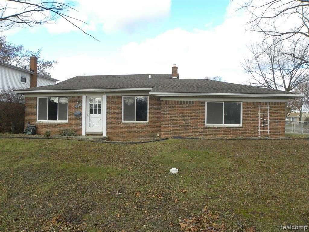 Photo of 11695 BORA CRT, Sterling Heights, MI 48312-3016 (MLS # 40016809)