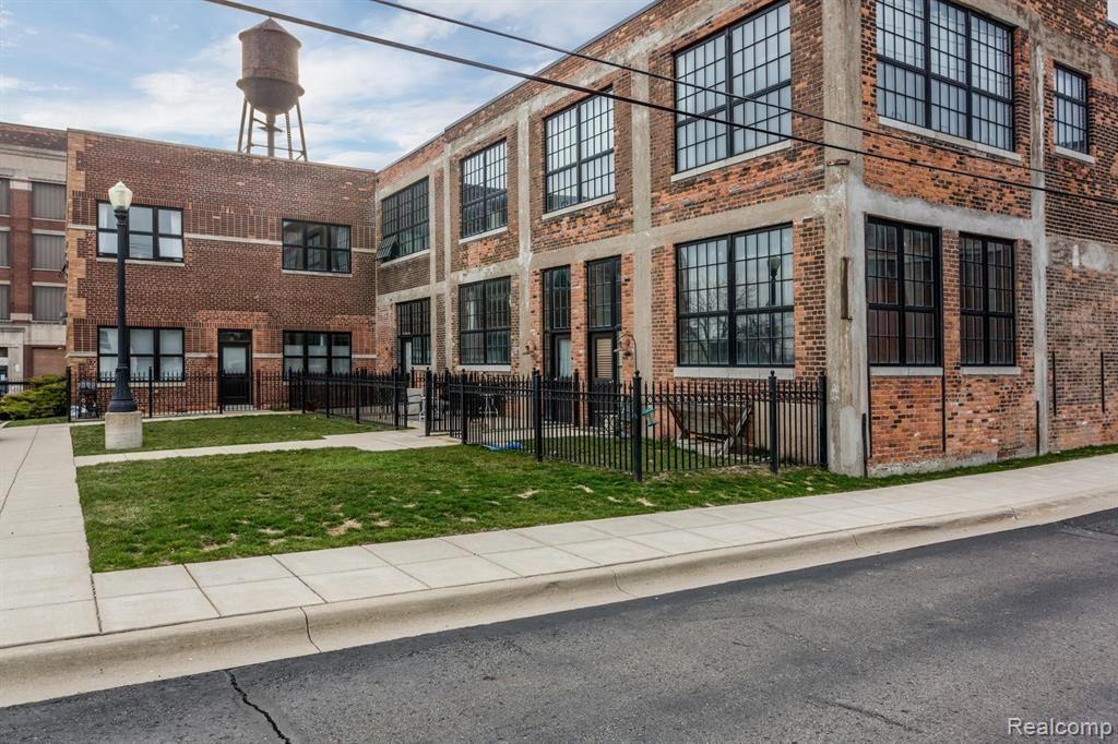 Photo for 5766 TRUMBULL ST, Detroit, MI 48208-1776 (MLS # 40069809)