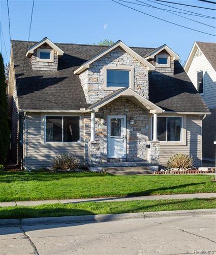 Photo of 22500 MAPLE ST, Saint Clair Shores, MI 48081 (MLS # 40169811)