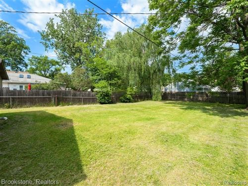Tiny photo for 3008 HORTON ST, Ferndale, MI 48220-1080 (MLS # 40183826)