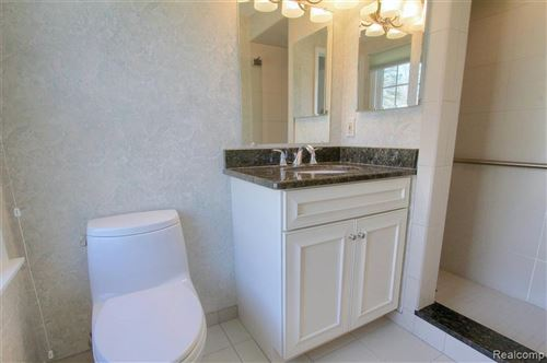 Tiny photo for 21727 E VALLEY WOODS DR, Beverly Hills, MI 48025-2638 (MLS # 40164832)