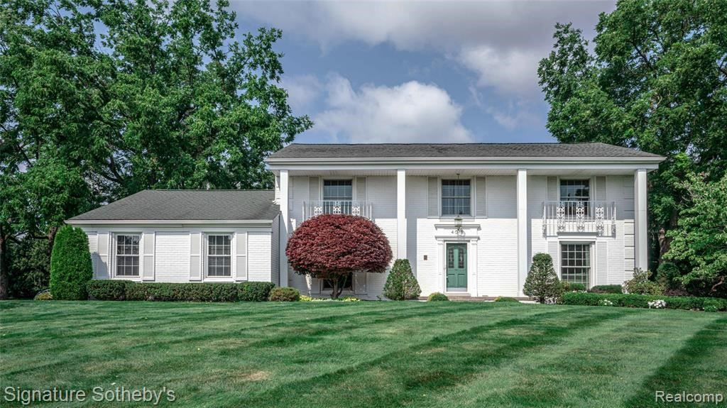 Photo for 4018 ANTIQUE LN, Bloomfield Township, MI 48302-1800 (MLS # 40204833)