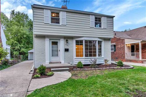 Photo of 1316 Roslyn, Grosse Pointe Woods, MI 48236 (MLS # 50023835)