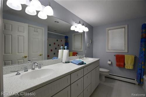 Tiny photo for 2823 ASPEN LN, Bloomfield Township, MI 48302-1014 (MLS # 40218838)