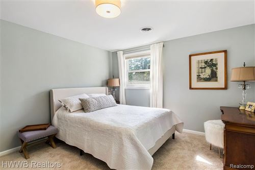 Tiny photo for 30760 VERNON DR, Beverly Hills, MI 48025-4947 (MLS # 40236838)