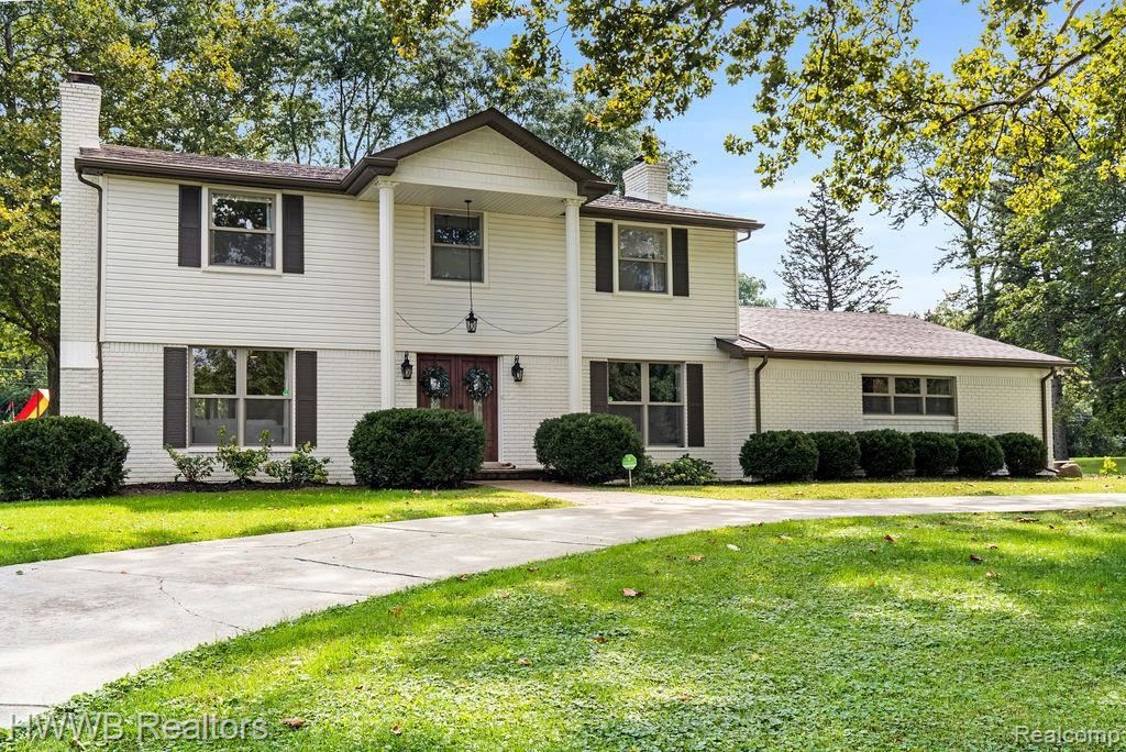 Photo for 30760 VERNON DR, Beverly Hills, MI 48025-4947 (MLS # 40236838)