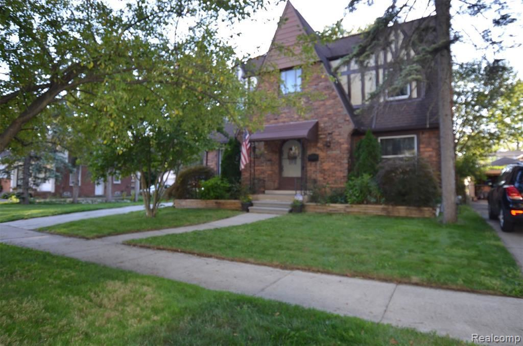 8281 GRAYFIELD ST, Dearborn Heights, MI 48127-1537 - MLS#: 40104842
