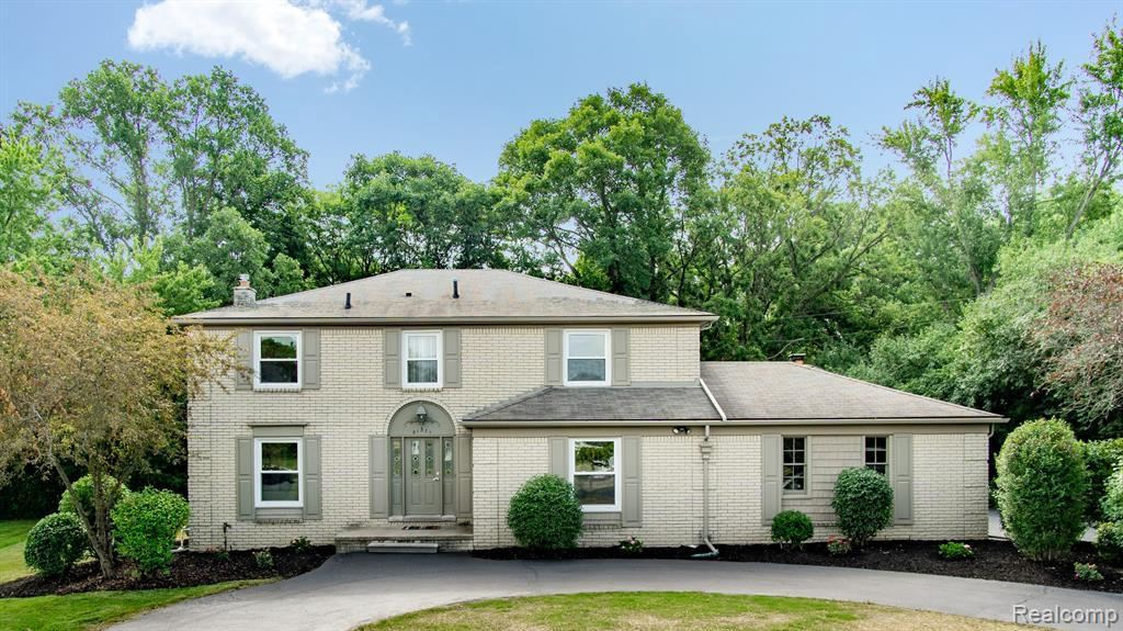 Photo for 21571 MEADOW LN, Beverly Hills, MI 48025-4849 (MLS # 40091845)