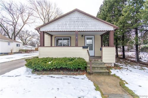 Photo of 20890 RIDGEMONT RD, Harper Woods, MI 48225-1138 (MLS # 40020850)