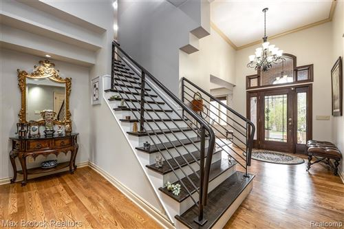 Tiny photo for 160 TURNBERRY CRT, Beverly Hills, MI 48025-3610 (MLS # 40168851)