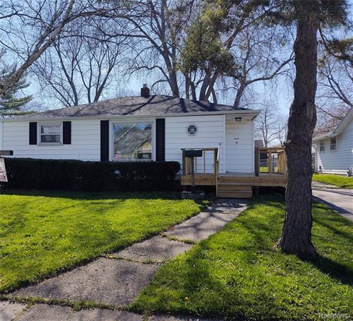 Photo of 1013 16TH ST, Port Huron, MI 48060-5041 (MLS # 40047852)