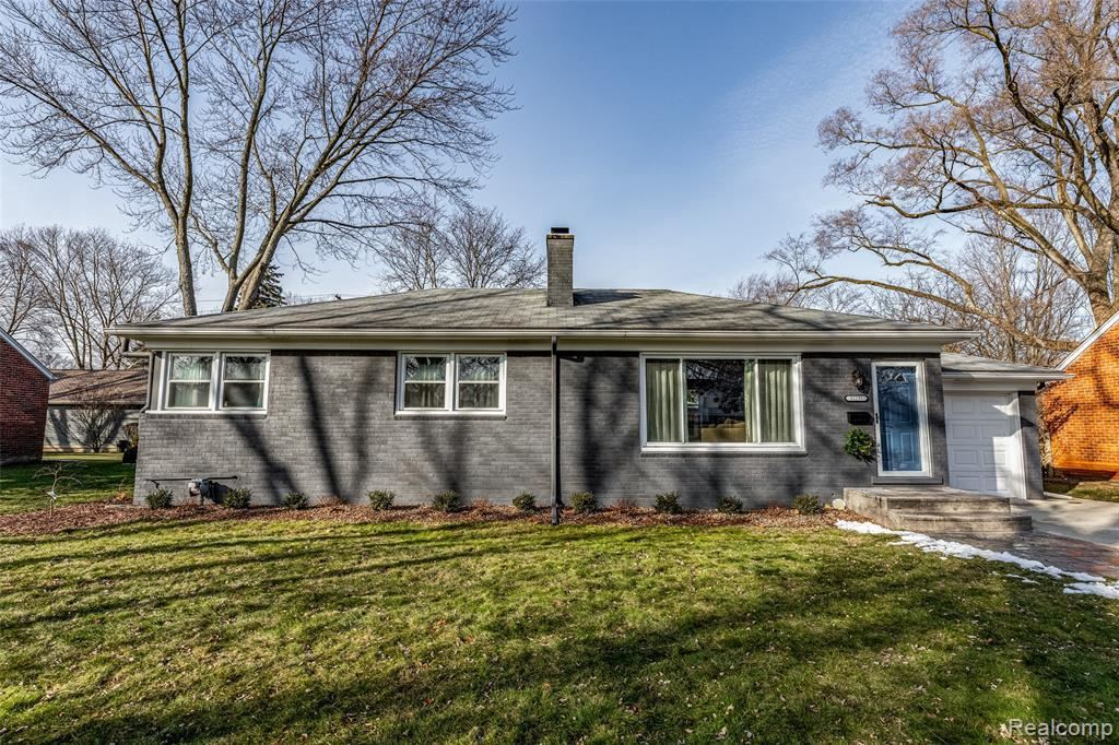 Photo for 32231 SHERIDAN DR, Beverly Hills, MI 48025-4250 (MLS # 40137855)