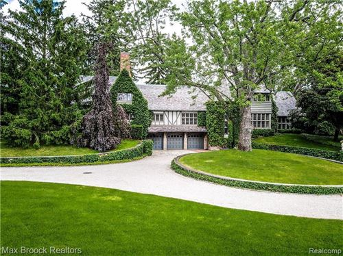 Photo of 1820 RATHMOR RD, Bloomfield Hills, MI 48304-2145 (MLS # 21451861)