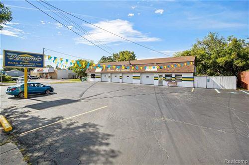 Photo of 4356 S SAGINAW ST, Burton, MI 48529 (MLS # 40239861)