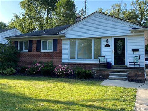 Tiny photo for 1007 HICKORY AVE, Royal Oak, MI 48073-3230 (MLS # 40135870)