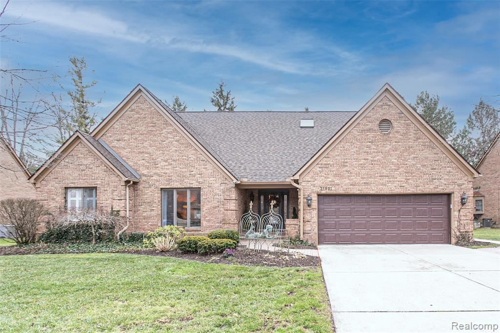 Photo for 21901 DOVER CRT, Beverly Hills, MI 48025-2664 (MLS # 40130870)