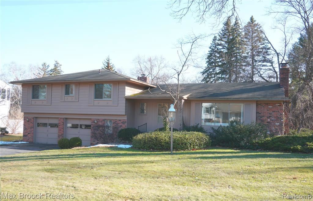 Photo for 3623 DARCY DR, Bloomfield Hills, MI 48301-2126 (MLS # 40038878)