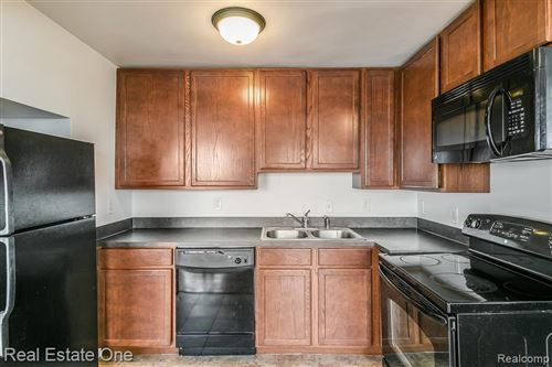Tiny photo for 15 E KIRBY #931 ST, Detroit, MI 48202-4042 (MLS # 40040881)