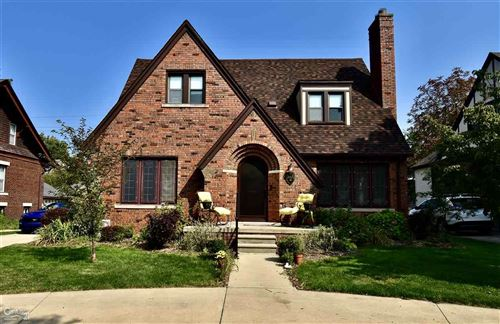 Photo of 826 Barrington, Grosse Pointe Park, MI 48230 (MLS # 50024897)