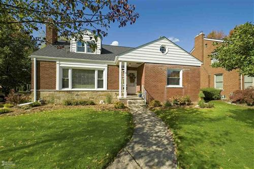 Photo of 375 Chalfonte Ave, Grosse Pointe Farms, MI 48236 (MLS # 50026901)