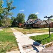 Photo of 15912 E JEFFERSON AVE, Grosse Pointe Park, MI 48230-1446 (MLS # 40109907)