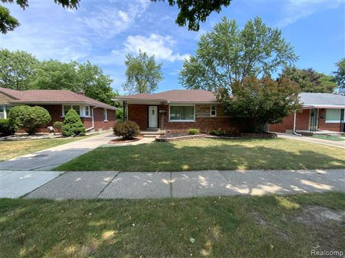 Photo of 22679 OCONNOR ST, Saint Clair Shores, MI 48080-4124 (MLS # 40071916)