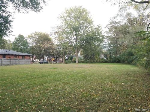 Tiny photo for 617 & 622 N EDISON AVE, Royal Oak, MI 48067-2119 (MLS # 40244916)