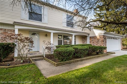 Photo of 30895 W LINCOLNSHIRE, Beverly Hills, MI 48025-4761 (MLS # 40130918)