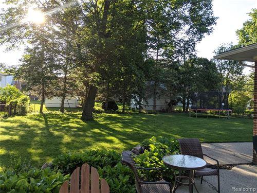 Tiny photo for 2416 N VERMONT AVE, Royal Oak, MI 48073-4206 (MLS # 40183918)