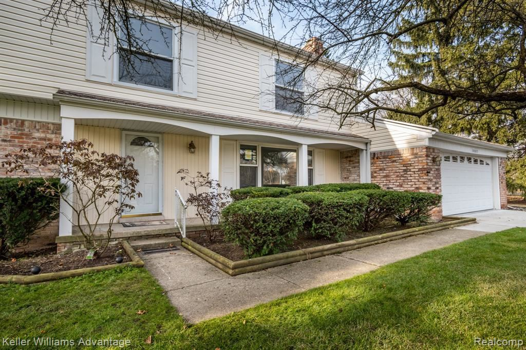 Photo for 30895 W LINCOLNSHIRE, Beverly Hills, MI 48025-4761 (MLS # 40130918)